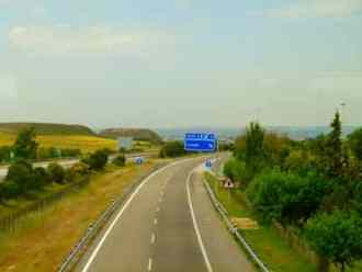 Auto route in Spain - The fast way to Rioja from Barcelona