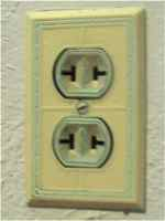 US two hole plug