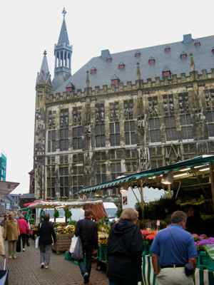 Rathaus and Market in Aachen's main square