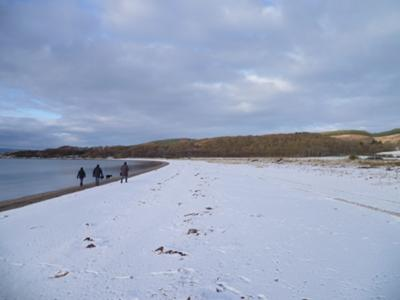 Snow rims Loch Fyne on the walk to the castle