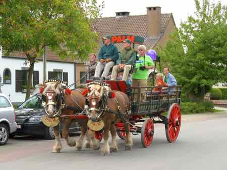 Belgian Beer breweries send beer wagons to festivals