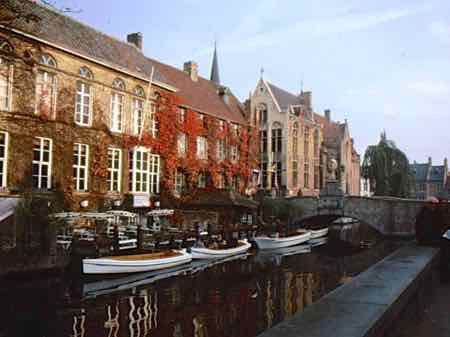 Canals around the corner in Bruges