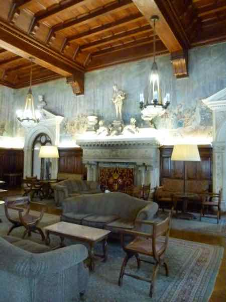 Bussaco Palace - Guest Lounge