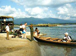 Canoe Royal Chitwan NP Nepal