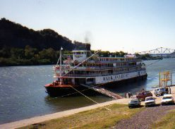 Delta Queen River Cruise - steamboats