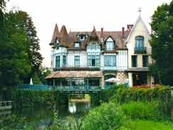 French Manor House - LeMoulin de Connelles
