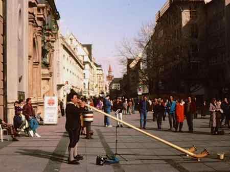 Alpen horns on a Munich street