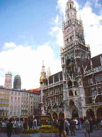 Marienplatz and the Glockenspeil