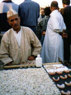 Dentist in Djemaa El-Fna Marrakesh, MoroccoDentist in Djemaa El-Fna Marrakesh, Morocco