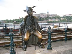 Statue on the Danube Promenade - Duna Korzo