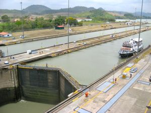 Day trip boat in the Miraflores Locks