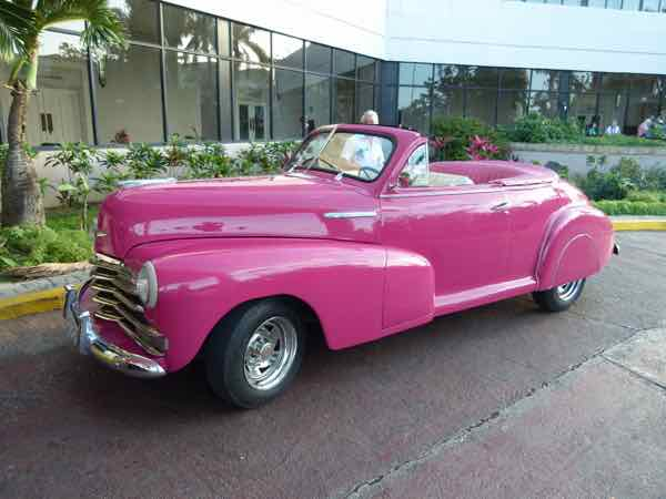 Choose the make and color of a classic car taxi