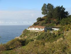 Romantic Weekend Getaway  - Lucia Lodge Big Sur