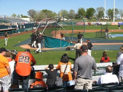 SF Giants take batting practice in Scottsdale